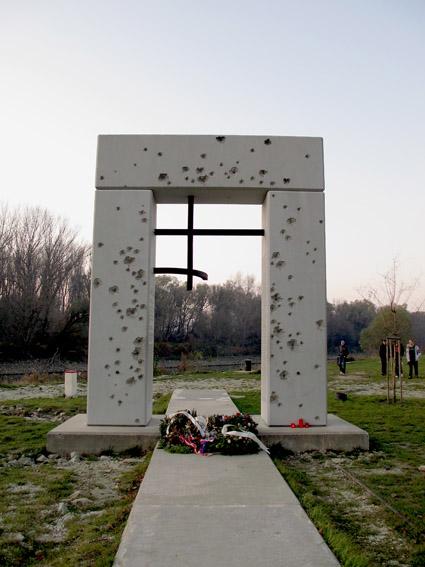 Monumento aos mortos pelo regime comunista