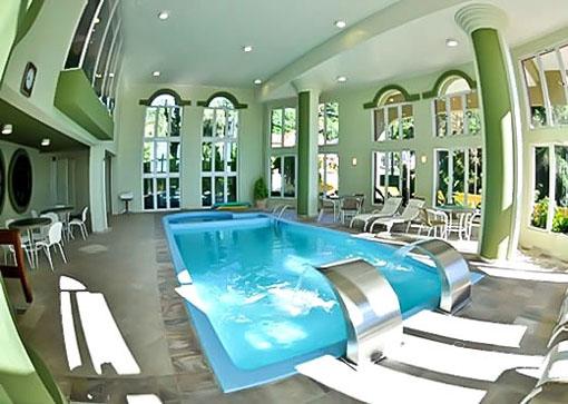 piscina gramado