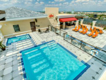 Ramada Plaza Resort & Suites International Drive Orlando piscina