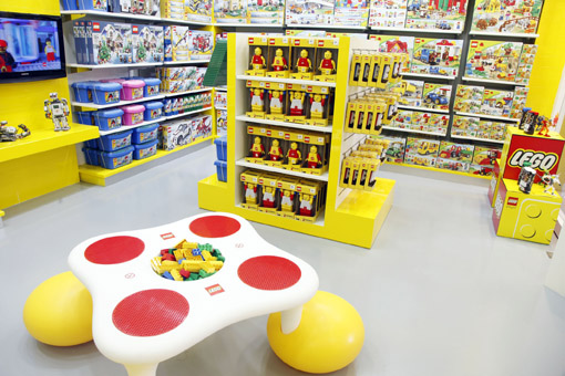 lego store_play table