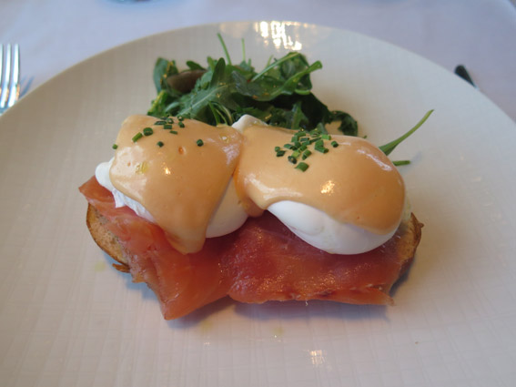 Smoked Salmon Eggs Benedict - Restaurante Asiate Mandarin Oriental