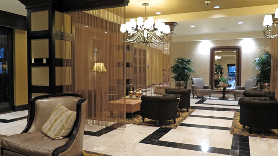 Intercontinental New Orleans lobby