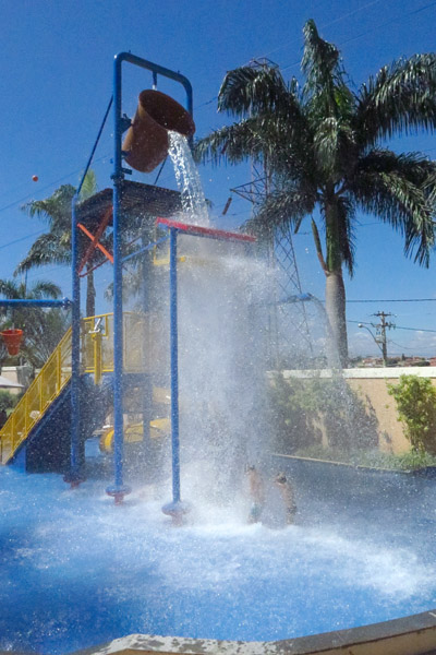 Royal Palm Plaza Piscina infantil balde