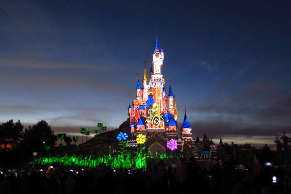Disneyland Paris Illumination colorido